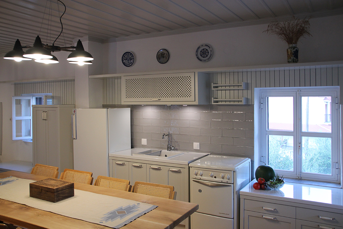 Refurbishment of a Rural House in Veligosti - Dining area and kitchen